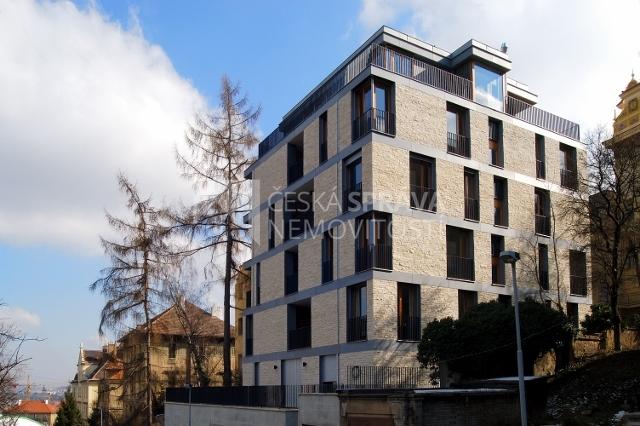 Byt 2+kk (terasa 115 m²), U Nikolajky, Praha – Smíchov (PRODÁNO)